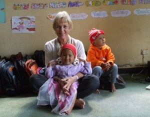 Helen with the 'bananas' (the very little children!)